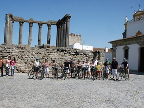 cycling by casltes, guided bike tour alentejo
